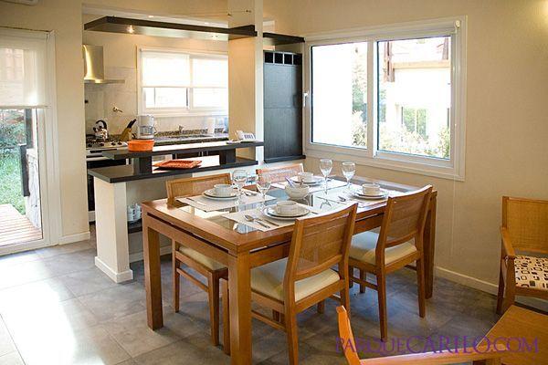 Bosque de ciruelos departamentos apart alojamientos for Decoracion living comedor con cocina integrada